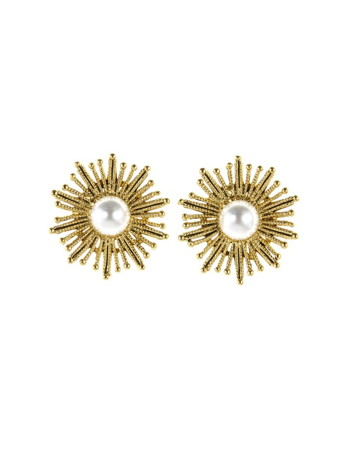 Oscar de la Renta Pearl Sun Star Button Earrings-Kate Middleton